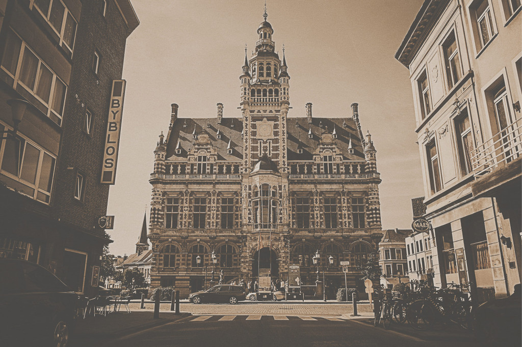 Voyage Local - Street life of Antwerp - 16